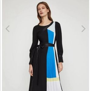 Color-blocked pleated dress